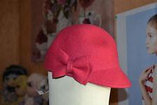 chapeaux neuf rouge avec noeud 100% laine 2/5 ans