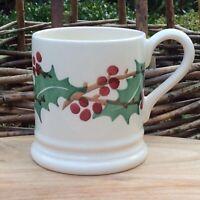 EMMA BRIDGEWATER . Winterberry . 1/2 pint MUG . Christmas Holly spongeware
