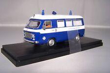 Fiat 238 Ambulanza Croce Bianca di Milano 1973 1 43 Rio Rio4475