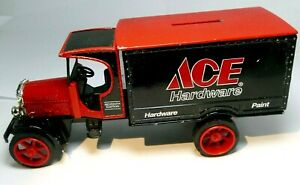 ACE HARDWARE PAINT BANK 7TH EDITION 1913 TRUCK Kenworth 1:25 scale