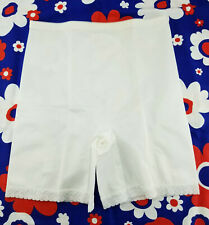 Vintage Perfect Comfort Lace Trim White Lingerie Girdle Shaper Panties 8X 46 mm