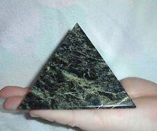 "Pyramid natural Russian stone serpentine 10 * 10 cm (3,94 * 3,94 "")"