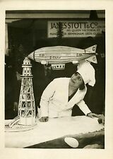 """DIRIGEABLE R.101 (EXPO CULINAIRE DE LONDRES)"" Photo originale G. DEVRED 1930"