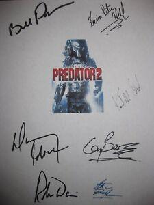 Predator 2 Signed Film Script X7 Danny Glover Bill Paxton Gary Busey Davi reprnt