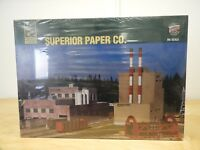 WALTHERS, SUPERIOR PAPER C0., HO SCALE, STRUCTURE KIT, 933-3060