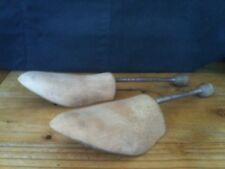 VINTAGE PAIR SIZE 7 CARVED TIMBER SHOE TREES