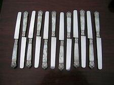 Hallmarked antique french silver Set de 12 couteaux de table Mop Poignées.