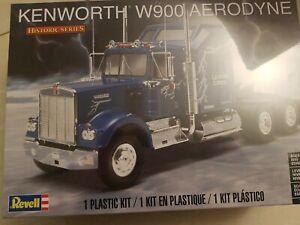 REVELL 1/25 PLASTIC MODEL KIT KENWORTH W900 AERODYNE (HISTORIC SERIES) RE11507
