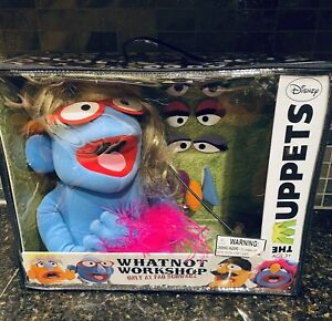 FAO Schwarz Muppets Whatnot Workshop Blue Puppet COMPLETE all Accessories & Case