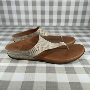 FitFlop Women's Thong Sandals Size 10 Beige Perforated Nubuck C02-194