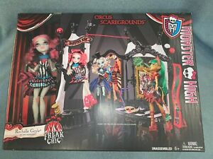 2014 Monster High - Freak Du Chic - Circus Scaregrounds with Rochelle doll - MIB