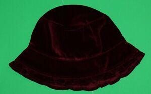 18 24 EUC Gap Holiday Burgundy Velveteen HAT Girls