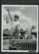 ROD TAYLOR WITH A STRING OF TROUT - 1964 CANDID - FATE IS THE HUNTER - VINTAGE