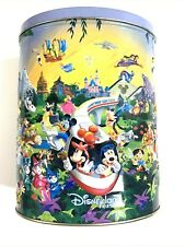 Mickey mouse and friends with this Walt Disney World Disneyland Resort tin box
