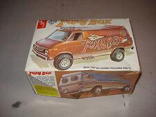 FOXY BOX CHEVY CUSTOM VAN - AMT PLASTIC MODEL KIT #T403 - DISCOUNTED OPEN BOX