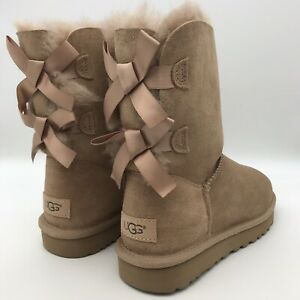 UGG SHORT BAILEY BOW II FAWN WATER-RESISTANT SUEDE FUR BOOTS  WOMENS