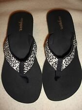 Easy Spirit sandals flip flops Cloud Burst size 10 M black white NWOB