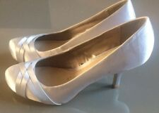 BNWT DEBUT LADIES SATIN SLIVER Court Shoes Size 39/6 Evening Party Gift