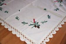 Alte Weihnachts Tischdecke handbestickt mit Häkelspitze Stickerei ca. 75 x 70 cm