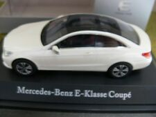 1/43 Kyosho MB Classe E Coupé c207 weißmet. 696 0193