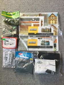 00 Gauge Model House Kits. Also Lorry And Other Extras