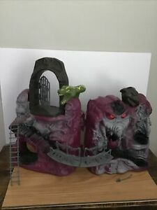 1983 He-man Masters Of The Universe Snake Mountain Playset Complete