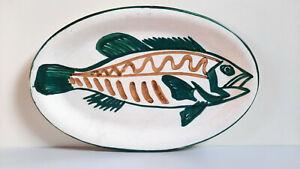 Plat en céramique de VALLAURIS signé ROBERT PICAULT, décor poisson