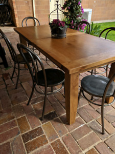 Extendable Table and Bentwood style Chairs