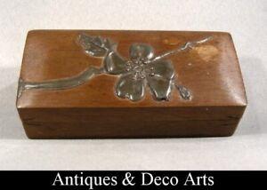 Boite à Timbres Art Nouveau en Bois avec Décoration Fleural en Etain