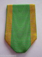 Ruban  NEUF plié, pour la médaille de l'ordre du Dragon d'Annam.