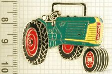 Sturdy key chain with a silver-plated & enamel Oliver 77 tractor shield