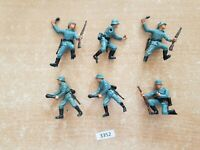 Britains Deetail WW2 German Infantry for spares or repairs (lot 3352)