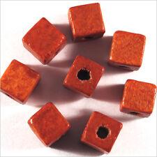 Lot de 40 Perles Cubes en Bois 8mm Rouge Orangé