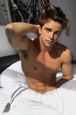 Shirtless Muscular Frat Jock Male Waking Up in Bed Cute Hunk PHOTO 4X6 F117