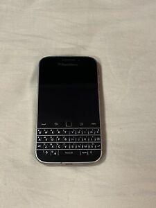 BlackBerry Classic Q20 SQC100-2 - 16GB - Black Excellent Condition!!