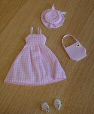 Kleidchen, Hut, Tasche, Schuhe kariert Puppenstube  1:12 #3149
