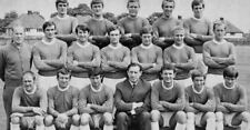 Large collection of Everton Football photo postcards - old & new