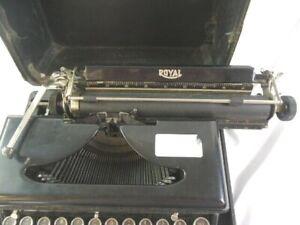 Vintage 1936 Royal, Model O Portable Typewriter With Case