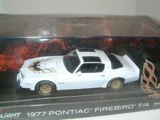 1/43 1977 PONTIAC FIREBIRD TRANS AM `WHITE` GREENLIGHT