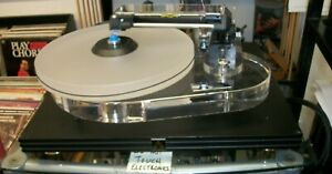 AUDIOPHILE CLEARAUDIO REFERENCE REVOLUTION LINEAR TURNTABLE WITH EXTRAS