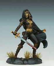 DARK SWORD MINIATURES - DSM7415 Female Assassin