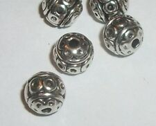 Spacer beads, antique silver pewter 8mm round shaped carved beads 25 pcs (23593)