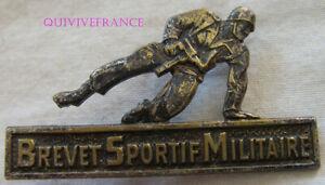 IN12503 - Brevet Sportif Militaire, argenté, dos guilloché, déposé, épingle