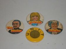 More details for rare vintage original joblot collection 4 kelloggs doctor who character badges