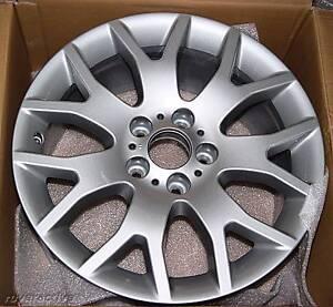 """BMW OEM E70 X5 E71 X6 Style 177 Cross Spoke 18"""" x 8.5"""" Wheel Set Brand New"""