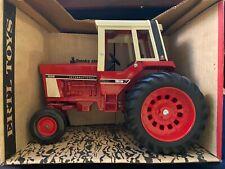 International 1586 Tractor w/ cab IH 1/16 scale Vintage Ertl Co NIB in 463 Box