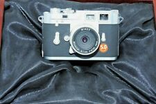 Minox Digital Classic Camera mit Minoctar 8,7mm digital lens