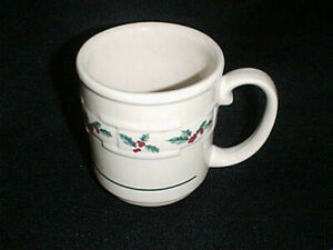 LONGABERGER Woven Traditions Coffee Cup Mug with CHRISTMAS HOLLY design NEW!