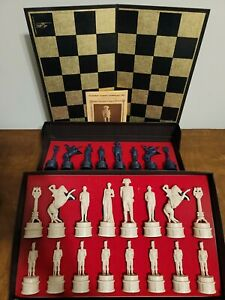 Classic Games Collector's Series Chess Set Edition 2 complete black & gold board