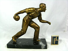Alte Sport Trophäe Skulptur Figur  Kegler aus Metall auf Marmorsockel  22 cm